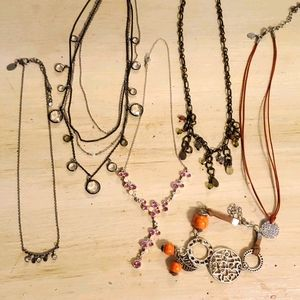 Lot of 5 necklaces and 1 bracelet